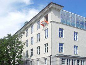 Liftroller Wall montert i vindu Jahnebakken 5 i Bergen