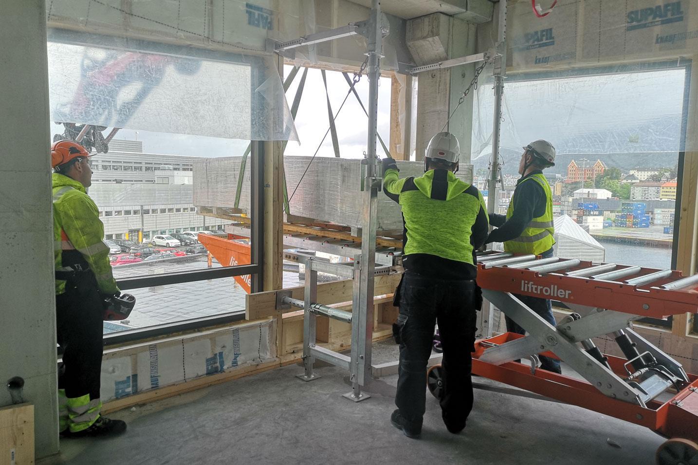 Inntransport på Liftroller Wall på nybygget Kilen i Bergen