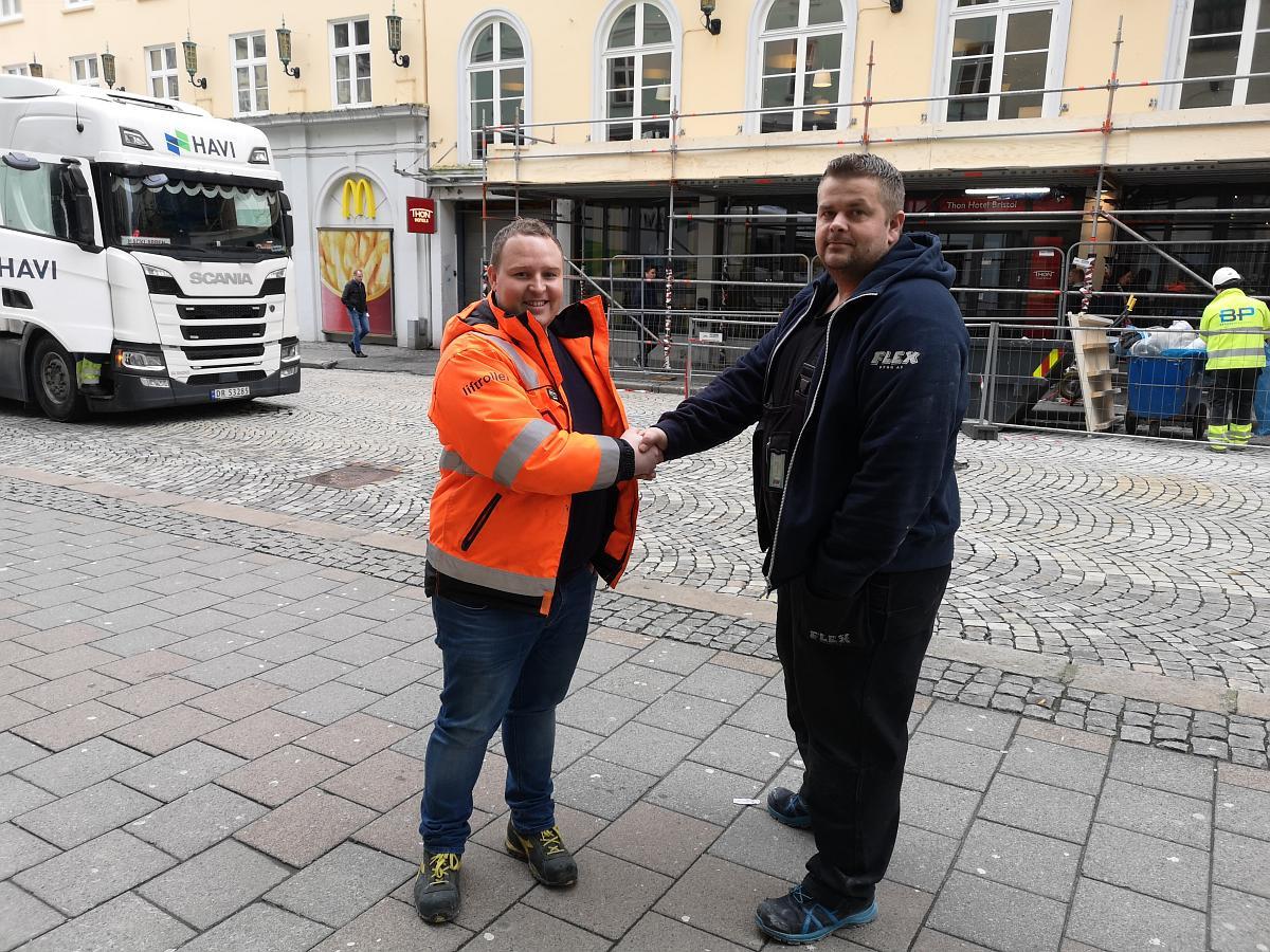 Alexander Lokøy t.h.(Liftroller) og Bjørn Rine t.v. (Flex Bygg)