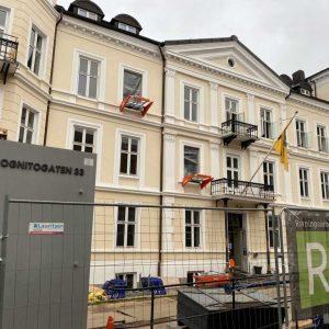 To Liftroller Wall montert i vindu på bygård i Inkognitogata 33 Oslo